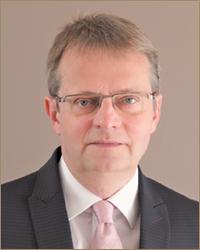Prof. Dr. Klaus Henselmann クラウス・ヘンゼルマン博士